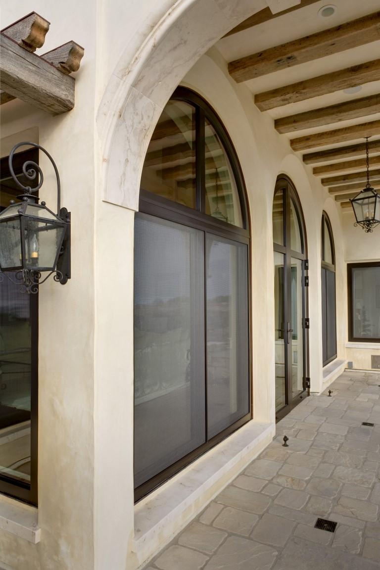 Spanish Villa Glasbox